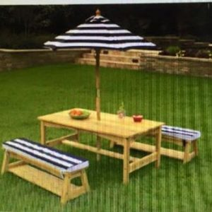 OUTDOOR TABLE AND CHAIR SETS WITH UMBRELLA